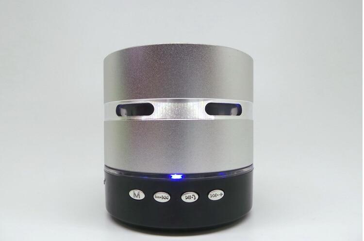 Envío gratis Mini Metal Estéreo portátil altavoz colorido LED - Audio y video portátil - foto 2