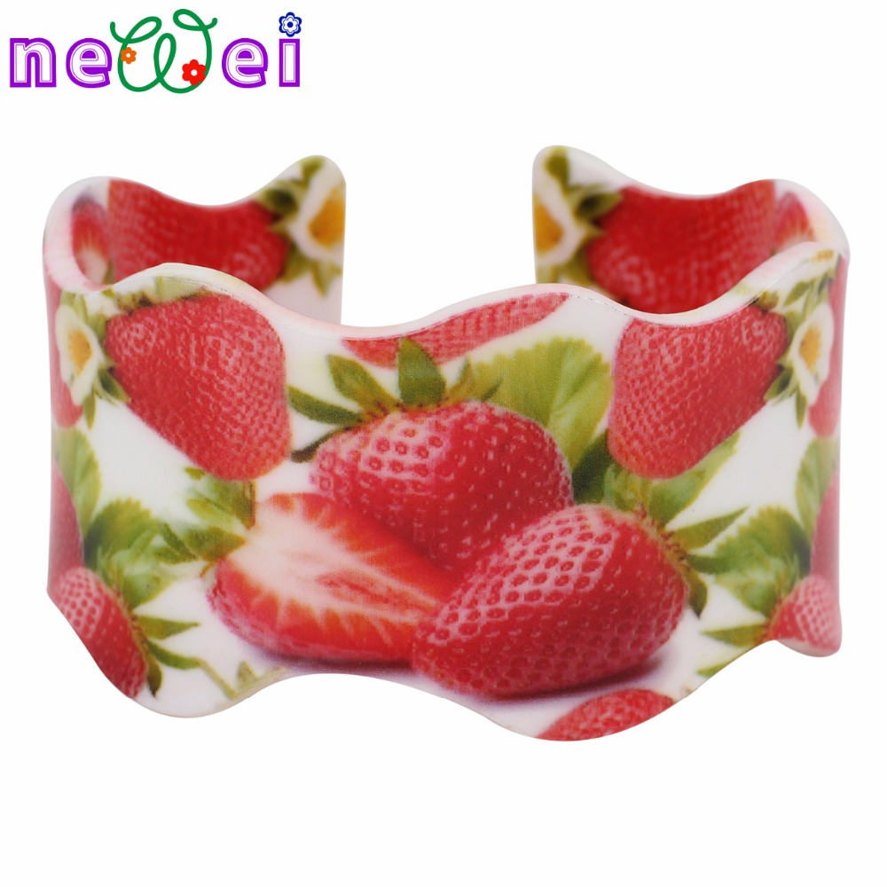 NEWEI Acrylic Strawberry Pattern Wide Love Bracelets Bangles For Women News Fashion Fruit Jewelry Party Accessories Bijoux
