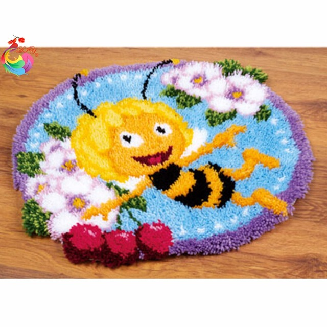 Bee Latch Hook Rug Kits Carpet Embroidery Threads Mats Rugs Needlework Embroidered Crafts