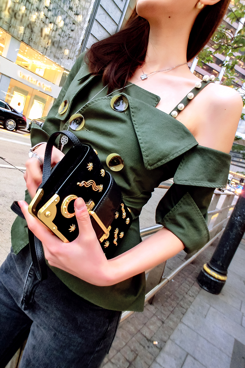 Style Perle Sexy Chaude Épaule Taille Vert T Haute Femmes Vente Army Bouton Collier Off Armée Spaghetti Green 2017 The Skew Strap shirts Court Mince F8ddqxaE