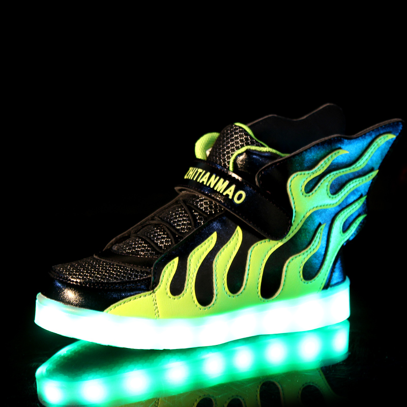 2018 Warm Hot new Boys Girls USB Charger led Children Shoes with Light Kids Wing Flashing Lighted Luminous chaussure Sneakers pig acupuncture model animal acupuncture model