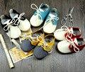 De calidad superior Del Bebé Mocasines Moccs Suaves Zapatos de Bebé 2015 Bebé Recién Nacido firstwalker antideslizantes Zapatos Infantiles de Cuero Genuino de la Vaca