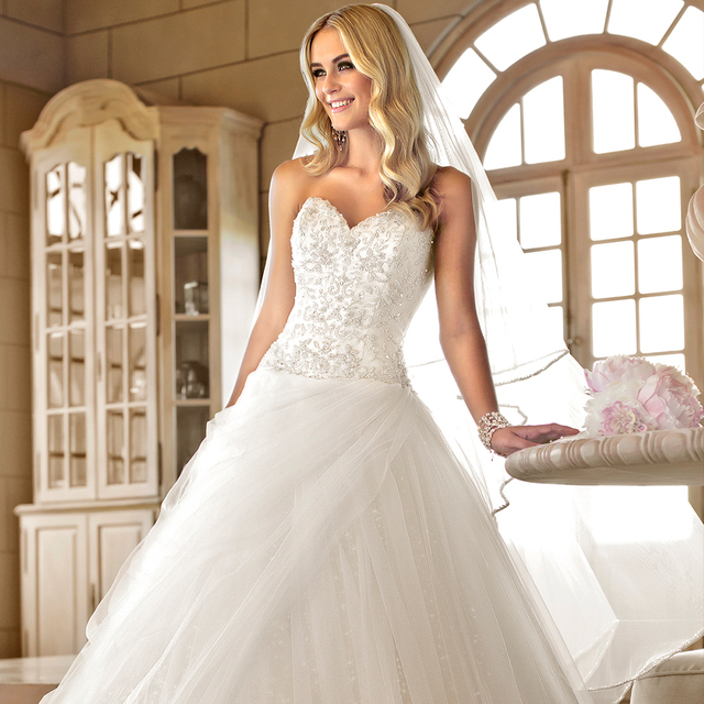 2017 Ball Gown Wedding Dress Diamante Beading Sweetheart Neckline Bodice Drop Waist Tulle Skirt Bridal