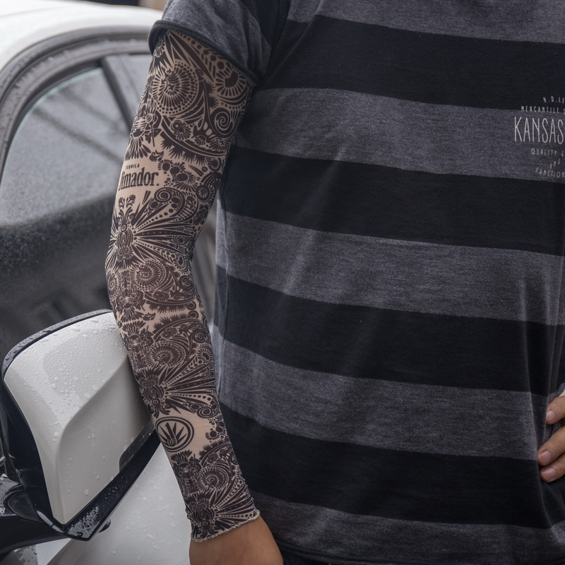 Mehndi Tattoo Sleeve: 48cm Length Elastic Fake Full Arm Stocking Black Mehndi