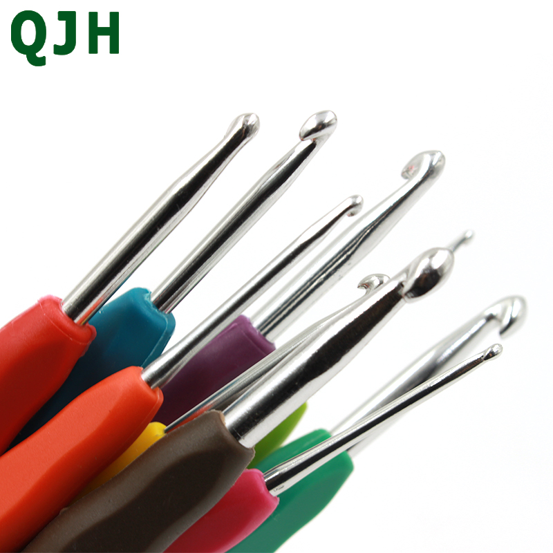 Hot Aluminum Crochet Hooks Kit Knitting Needles For Knitted DIY Soft TPR Handle Hand Sewing Crafts Needlework 9PCs Mixed in Sewing Tools Accessory from Home Garden