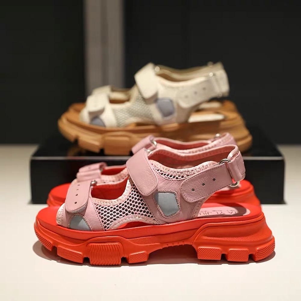 여성 샌들 플랫 신발 비치 들여다 발가락 신발 여성 샌들 여름 스타일 여성 패션 정품 가죽 신발 대형 40-에서로우힐부터 신발 의  그룹 1