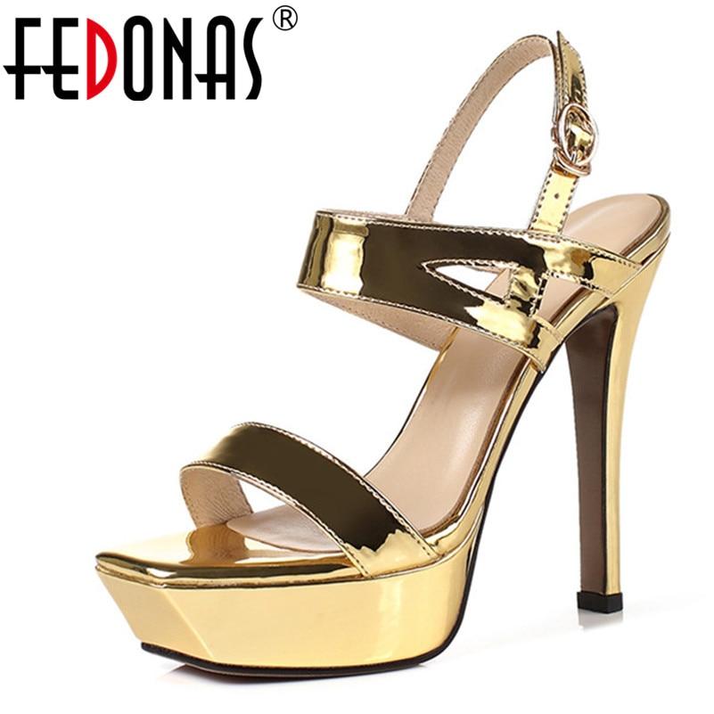 Fedonas 여성 솔리드 고품질 버클 특허 가죽 샌들 새로운 스위트 파티 웨딩 신발 여자 우아한 라운드 발가락 샌들-에서하이힐부터 신발 의  그룹 1