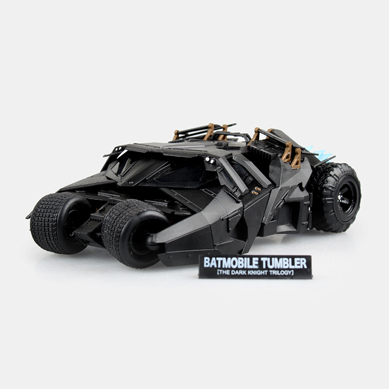 SAINTGI Batman v Superman Dawn of Justice Arkham Knight Batmobile Tumbler DC Super Heroes PVC 16CM Action Figure Collection neca dc comics batman arkham origins super hero 1 4 scale action figure