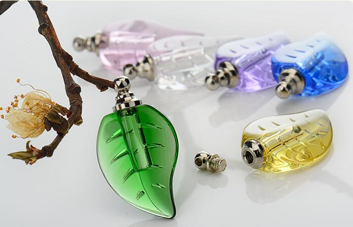 500pcs lot Crystal plant leaf Vial Pendant miniature empty wishing bottles SCREW top perfume oil bottle