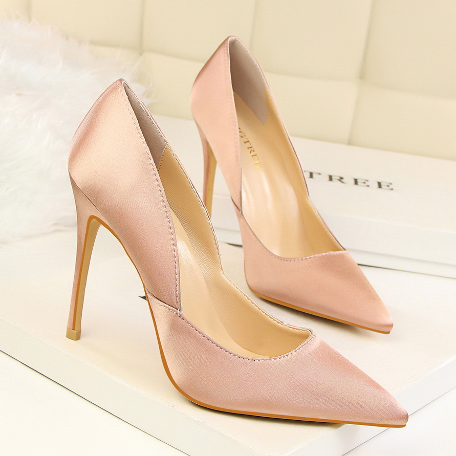 New Women Elegant Satin Pumps European Fashion High Heeled Shoes Shallow Thin Hollow Pointed Sexy Female Shoes G2577-2 female summer european style stitching sequins pointed personality gradient color with ultra thin high heeled shoes