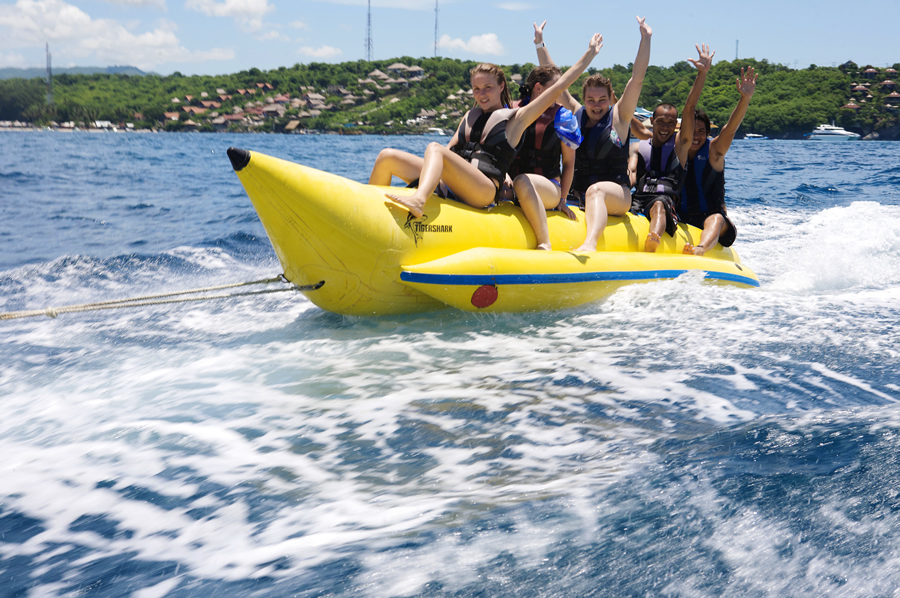 inflatable banana boat 8 seats ...