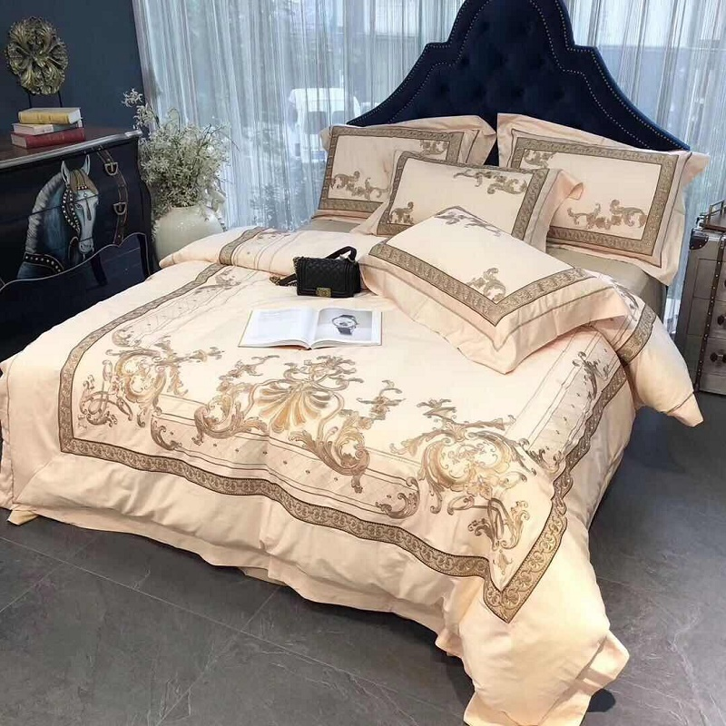 Luxury European Style Royal Embroidery 100S Egyptian Cotton Palace Bedding Set Duvet Cover Bed Linen Bed sheet Pillowcases 4pcsLuxury European Style Royal Embroidery 100S Egyptian Cotton Palace Bedding Set Duvet Cover Bed Linen Bed sheet Pillowcases 4pcs