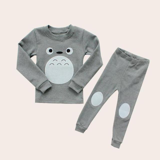 2017 Nueva ropa de los cabritos sets Estilo Coreano Niños de Algodón de Dibujos Animados Pijamas del bebé Niños Niñas Totoro Suéter Del O-cuello Unisex Pijama