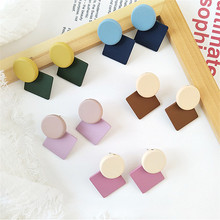 scene geometry square inferior smooth  earrings, 2018 Ms fashion dazzle colour earrings Color jewelry wholesale me 01 fashion dazzle colour s shaped earrings deep pink yellow multi color pair