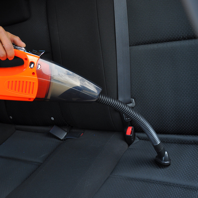 New style Car vacuum cleaner  For wet and dry car Strong suction Lighting function Portable car vacuum cleaner12V 100W