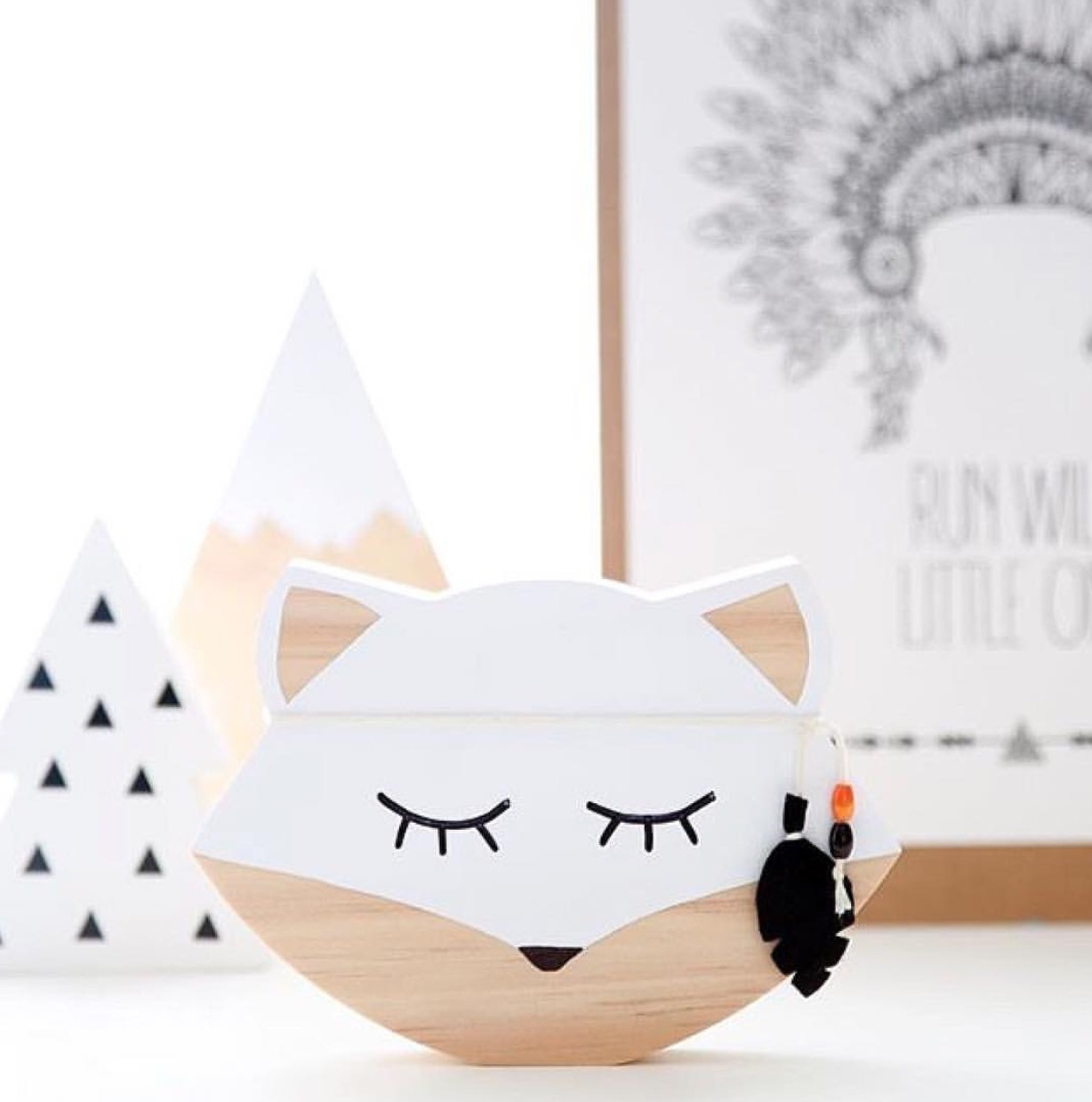 Wooden Animal Toys Fox Bear Wall Sticker Nursery Wood Furniture Ornaments Baby Kids Room Decor Home Furnishing shooting props