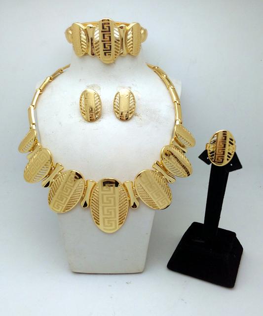 Elegante Jóias Banhado A Ouro de Imitação de Diamante Brincos Pulseira Anel Colar Conjuntos de Jóias para As Mulheres Do Partido Presente 4 PCs Set