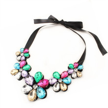 Ahmed Jewelry 4 Colors Trendy Fashion Flower Bib Necklaces Statement rhinestone Necklaces pendants For Woman 2017