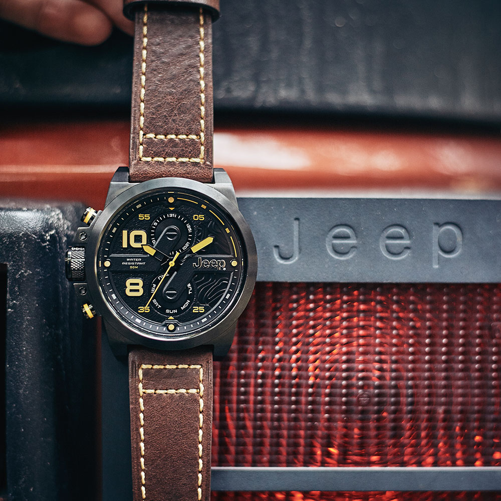 Jeep Для мужчин s часы кварцевые кожаный ремешок спорта на открытом воздухе Wrangler серии многофункциональный военный Для мужчин часы JPW67602