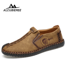Купить с кэшбэком 2018 New Comfortable Casual Shoes Loafers Men Shoes Quality Split Leather Shoes Men Flats Hot Sale Moccasins Shoes