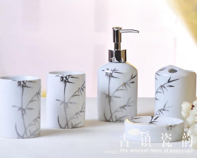 US $42.88 |Fünf stück Silber bambus keramik bad set toiletten zahnbürste  halter zahn becher toilettenartikel in Fünf-stück Silber bambus keramik ...