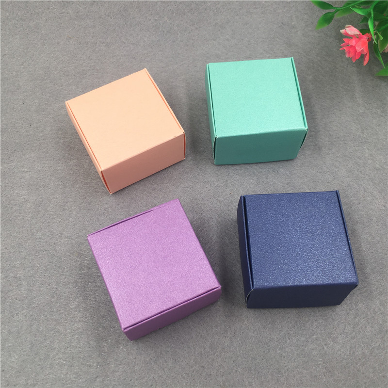 Image 2 - 50pcs/lot 4x4x2.5cm Small Kraft Cardboard Packing Gift box MiNi Lovely Aircaft Paper Box Handmade soap Packing Box-in Gift Bags & Wrapping Supplies from Home & Garden