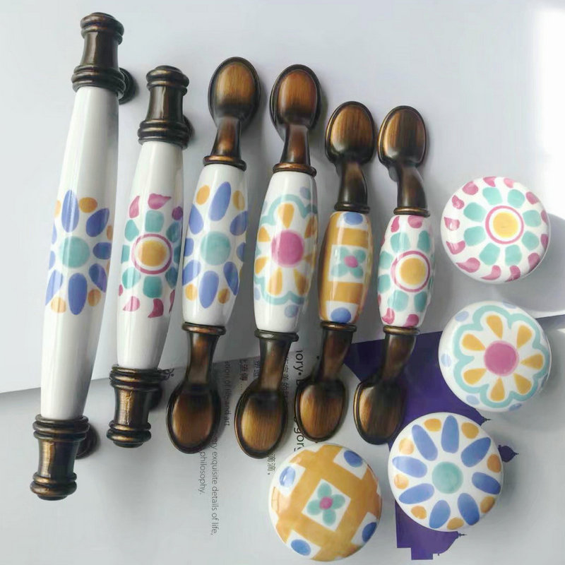 Mediterranean Retro Ceramic Handle Hand painted ceramic knobs Strip White and Blue Porcelain Door Handle for Drawer Cabinet hand painted ceramic europe classical cabinet drawer pulls handle antique drawer wardrobe door handle and knobs