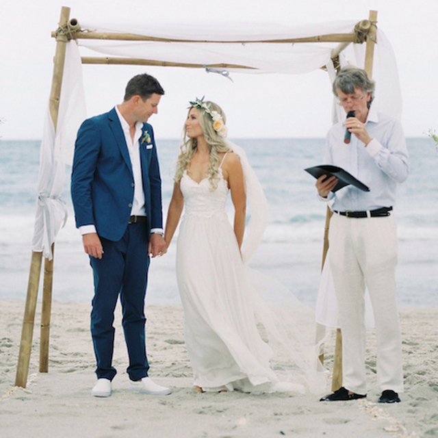 Custom Made Sexy V Neck Backless Chiffon Bohemian Beach Style Boho Wedding Dresses 2017 Hippie Bridal Gown Vestidos De Noiva