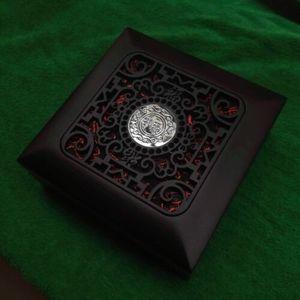 Image 5 - Doktor Strange Eye of Agamotto Cosplay naszyjnik wisiorek stop LED Light naszyjniki akcesoria do biżuterii prezent