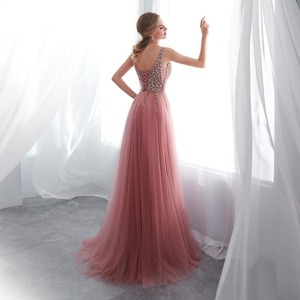 Image 2 - Kralen Prom Jurken 2020 Plus Size Roze Hoge Split Tulle Sweep Trein Mouwloze Avondjurk A lijn Lace Up Backless Vestido de