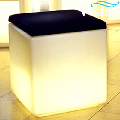 LED rechargeable battery working more than 8 hours colours change remote control Cube Stool Chair With Cushion VC-A3838 led cube chair outdoor furniture plastic white blue red 16coours change flash control by remote led cube seat lighting