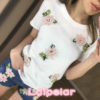 0fb780d42 2018 Hot Sell Spring Summer Retro Pearl Beading T Shirts Women Flower  Embroidery Tee Shirt Femme