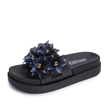 купить Summer Beach Slippers Flowers Women Shoes Fashion Platform High Heel Flip Flops Sandals Zapatos Mujer Lady Cauual Flip Flops по цене 331.96 рублей