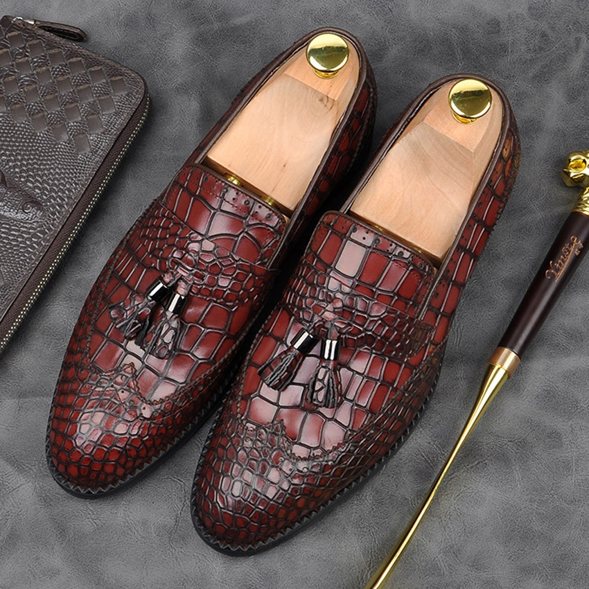Luxury Brand Genuine Leather Formal Dress Wingtip Brogues Shoes Alligator Pattern Pointed Toe Slip on Mens Tassel Loafers AM149Luxury Brand Genuine Leather Formal Dress Wingtip Brogues Shoes Alligator Pattern Pointed Toe Slip on Mens Tassel Loafers AM149