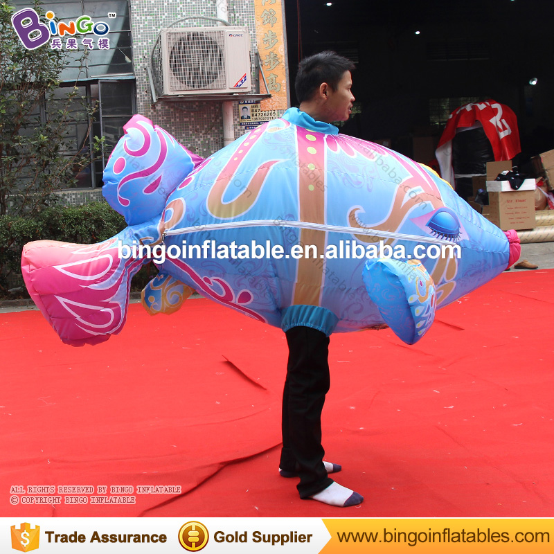 2018 Newly 2 meters long inflatable flying fish cartoon walking costume for stage props wearing big fish inflatable clothing toy