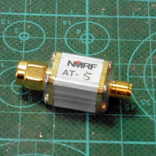 цена на Free shipping AT-5 SMA coaxial fixed attenuator / RF attenuator / power 0.5W/5dB/ attenuator DC~1GHz