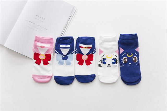 Anime dibujos animados chica Guerrero calcetines Sailor Moon calcetines algodón productos mujeres Lovely Luna gato Cosplay Luna