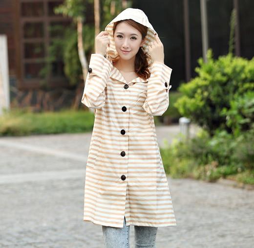 איכות טובה 100% עמיד למים foldable ארוך פוליאסטר pvc מעיל גשם מעיל גשם ברדס נשים אופנה בגדים