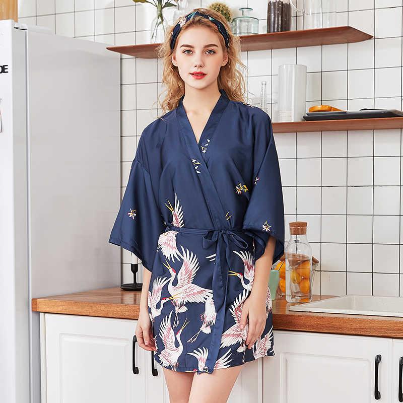 ผู้หญิงผ้าไหมซาตินสั้นงานแต่งงานเจ้าสาว Bridesmaid Robe Kimono Robe Feminino Robe ขนาดใหญ่ Peignoir Femme เซ็กซี่เสื้อคลุมอาบน้ำ