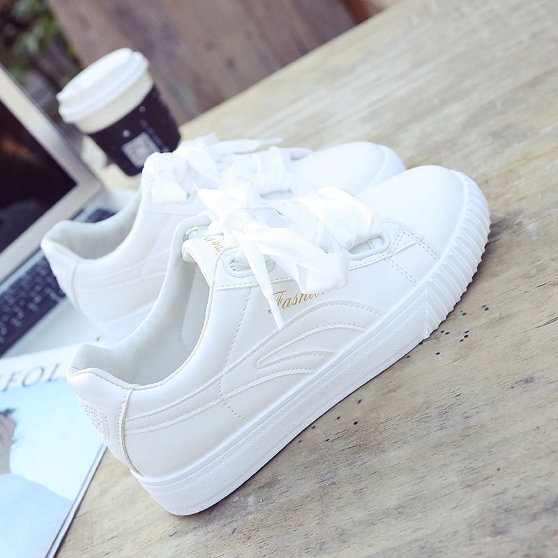 White Ribbon Lace Up Leather Shoes Female Breathable Classics Shoes Tidal Current Women Sports Shoes Flat Skateboarding Shoes