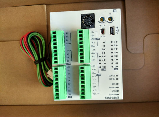 DVP20SX211R DELTA Original PLC Module Programmable Logical Controller New  with  programming cable In Box new original delta dvp06sn11r dc24v plc 6do relay module