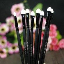 1 PC Hot sale  Makeup Brushes Disposable Sponge Cosmetics Eye Shadow Eyeliner Lip Brush Set Applicator For Women Beauty Z3