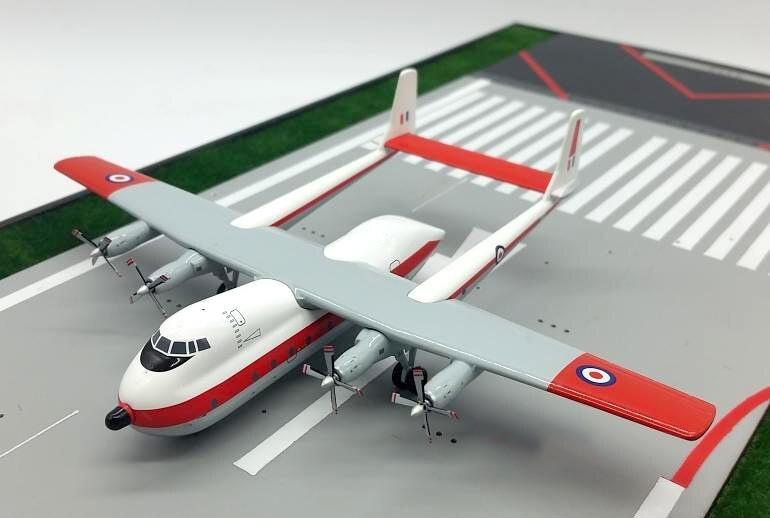 AV200 1:200 Royal Air Force AW-660 XP411 Argosy transport model Static collection model видеорегистратор artway av 711 av 711