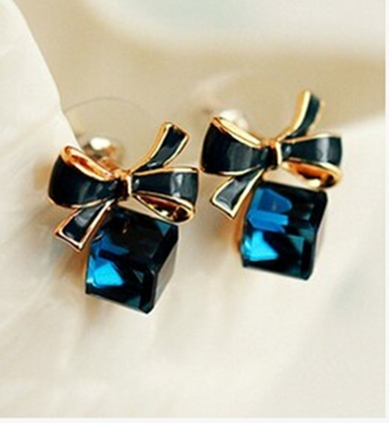 Blue Kiss The Fashion 2016 Chic Shimmer Plated Gold Bow Cubic Crystal Earrings Rhinestone Stud Earrings For Women