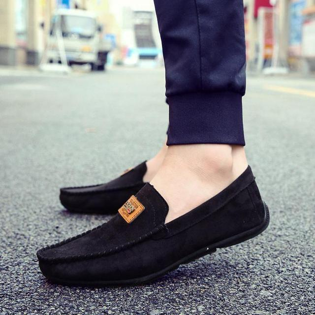 New Suede Leather Mens Loafers Spring Breathable Lazy Man Shoes Sales Slip On Flats Mocassin Homme Driving Gommino Casual Shoes