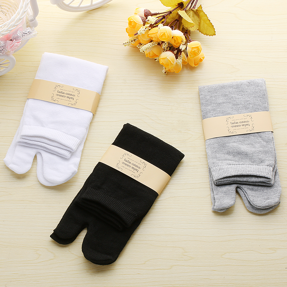 1 Pair Particular Unisex Women Men Fashion Japanese Kimono Flip Flop Sandal Split Two Toe Tabi Ninja Geta Solid Soft Cotton   Sock