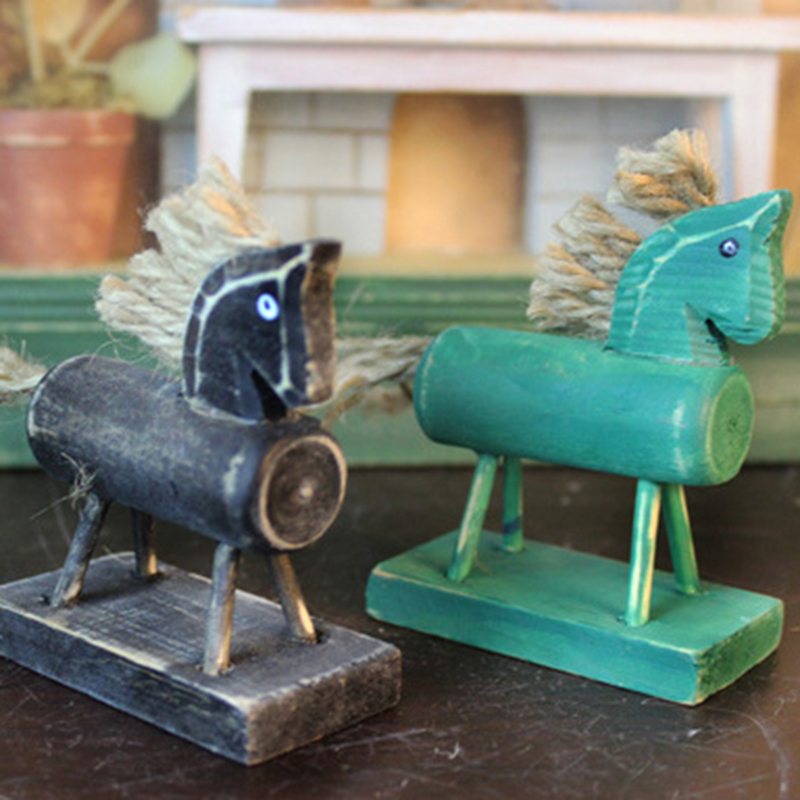 Kids Retro Artificial Wooden Horse Colorful Horse Crafts Kids Christmas Gift Random Color Toy Vehicles
