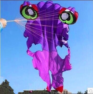 O envio gratuito de alta qualidade 4.2 m golden fish kite soft com barra de controle de linha de brinquedos ao ar livre voando parafoil pipa artesanato string
