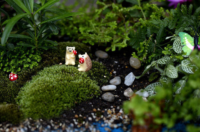Craft Crafts Resin Hedgehog Eating Mushroom Garden Figures Gnome Terrarium  Mini World Landscape Decoration Diy Accessories K6779 In Figurines U0026  Miniatures ...