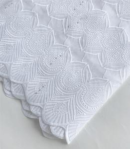 Image 2 - Merletto svizzero del voile 100% cotone tessuto del merletto Nigeriano tessuto africano per abito da sposa 5 yard/lot 5815